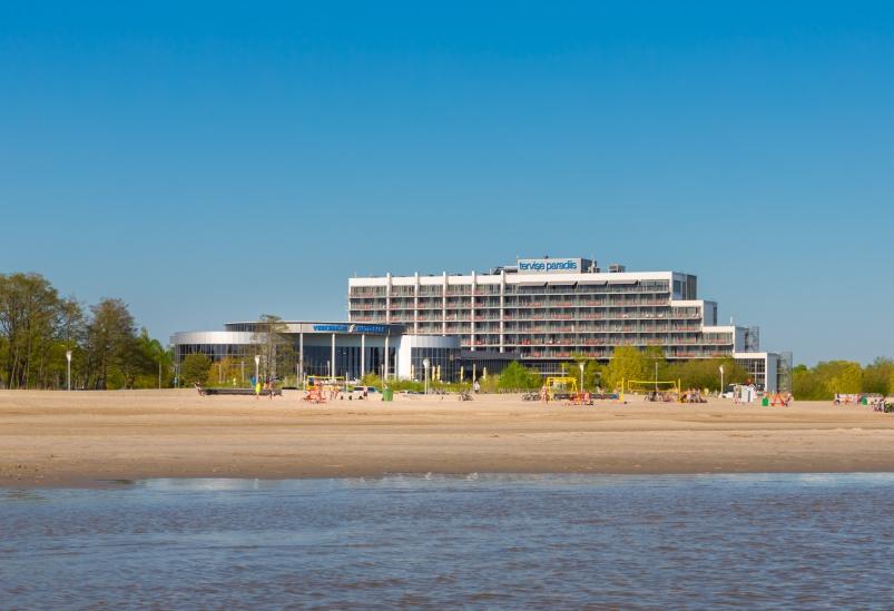 Tervise Paradiis on Pärnu rannal asuv 4-tärni spaa-hotell & veekeskus