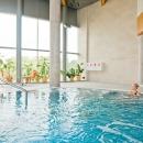 Tervise Paradiisi veekeskus asub kahel korrusel. Teiselt korrusel saab alguse ka kärestikuline mägijõgi