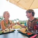 Suvekuudel on ilusate ilmadega avatud Terrassi kohvik Tervise Paradiisi siseõuel