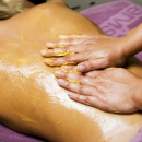 Mango-wax wrap body treatment