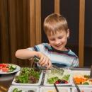 Valikus on ka tervislikud ja värksed salatid!